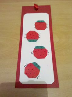 Marca páginas de origami. Joaninhas feitas em papel especial para origami, com bolinhas, colado em papel especial e acabamento desenhado. Montato sobre color set colorido. Acabamento com fita de cetim da cor do papel. Série feita para o aniversário de 1 ano da minha filhinha Alice como lembrança.   Contato: 11 2772.9242 ou 11 8127.0390  Elisa Grec
