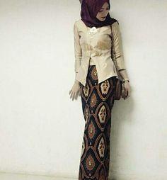 Hijab Office, Office Ootd, Kebaya Brokat, Fashion Beauty, Animal, Woman, Modern, Cute, Wedding