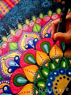 Mandalas with Color Can Be So Inspiring! And this Artist's Bold Choices Are Definitely Speaking to me! Mandala Art Lesson, Mandala Drawing, Mandala Painting, Doodle Frames, Doodle Art, Mandala Dots, Mandala Design, Dot Art Painting, Stone Painting