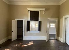 c. 1871 Greek Revival in Kosciusko, MS - $70,000 - Old House Dreams French Mansion, Old House Dreams, Home And Family, Wellness, Bath, Mansions, Cartier, Greek, Bracelet