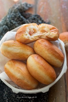 Donuts of soft and tasty salty potatoes (fried or baked) Easy recipe! Easy Baking Recipes, Easy Appetizer Recipes, Best Appetizers, Cooking Recipes, Potato Donuts Recipe, Vol Au Vent, Savory Pastry, Weird Food, Snacks