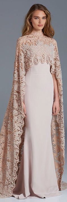 Spring Couture Paolo Sebastian - what a beautiful way to use lace! Paolo Sebastian, Beautiful Gowns, Beautiful Outfits, Amazing Outfits, Beautiful Life, Evening Dresses, Prom Dresses, Wedding Dresses, Dresses 2016
