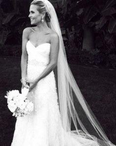 so pretty, I love her veil