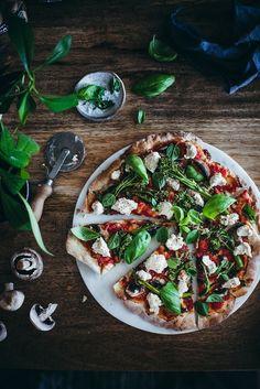 Broccolini-savutofupitsa spelttipohjalla (V) – Viimeistä murua myöten Tofu, Vegetable Pizza, Vegetables, Vegetable Recipes, Veggies