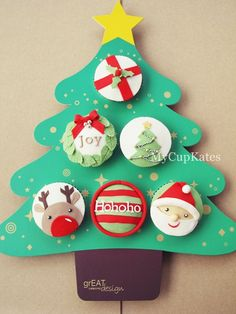 Christmas Tree Cupcake Tray and cupcakes Christmas Cupcake Cake, Cupcake Tray, Christmas Sweets, Cupcake Cookies, Christmas Baking, All Things Christmas, Christmas Cookies, Christmas Crafts, Christmas Decorations