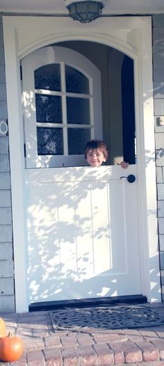"""Dutch door // There may be """"dutch doors"""" in the Netherlands, but I never saw one.  I don't remember any flying insects and none of the homes I stayed in had screens, so the split door would have worked."""