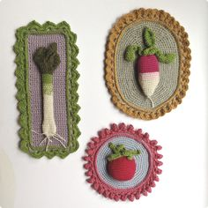 Knitted 'paintings' - such a neat idea. Site is in French but you can use Google translate.