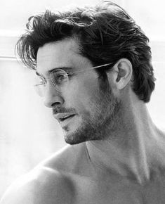 Handsome with a Scruffy Beard. Medium Hair Styles, Long Hair Styles, Hommes Sexy, Men's Grooming, Hair And Beard Styles, Haircuts For Men, Long Wavy Haircuts, Wavy Hairstyles, Wedding Hairstyles