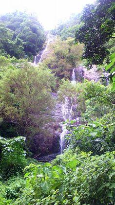 zona virgen y protegida en El Limo, cascada de 100 metros de altura en Metapan, El Salvador