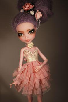 OOAK Monster High For Adoption Monster High Clothes, Custom Monster High Dolls, Monster Dolls, Monster High Repaint, Custom Dolls, Ooak Dolls, Blythe Dolls, Art Dolls, Pretty Dolls