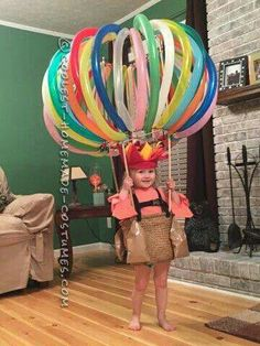 DIY Hot Air Balloon Costume via Pretty My Party If you're looking for creative DIY Halloween Costumes For Kids, this list is perfect. Get easy and quick ideas for DIY Kids Halloween costumes. Homemade Halloween Costumes, Halloween Tags, Halloween Costume Contest, Baby Halloween, Holidays Halloween, Halloween Decorations, Cheap Halloween, Vintage Halloween, Halloween Costumes For Toddlers