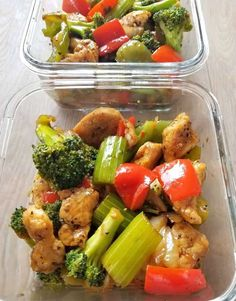 Black Pepper Chicken Stir Fry-Pepper Poultry Stir Fry menu is ridiculously easy to make with things that you curently have in your pantry. Fast, packed with flavour and best offere. Lunch Meal Prep, Meal Prep Bowls, Healthy Meal Prep, Healthy Eating, Healthy Recipes, Healthy Foods, Healthy Lunches, Healthy Dinners, Yummy Recipes