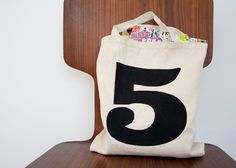 DIY: lucky number tote bag (free download)