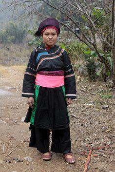 Menina de minoria étnica de Co Lao, aldeia de Ma Chi, perto do distrito de Dong Van, província de Ha Giang, no Vietnam.  Fotografia: Retlaw Snellac Photography no Flickr.
