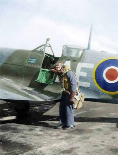 Sqn Leader Geoffrey Wilson Northcott of 402 Sqn RCAF with his Spitfire Mk.V 'City of Winnipeg', serial number Between July 1941 and August 1945 Canadian born Jeff Northcott served with 401 Sqn, 603 Sqn, OTU, 402 Sqn (from May 1943 to July and Wing. Ww2 Aircraft, Fighter Aircraft, Military Aircraft, Fighter Pilot, Fighter Jets, South African Air Force, Aviation Theme, The Spitfires, Supermarine Spitfire