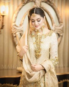 Pakistani Brides who Nailed their Wedding Jewellery Game! Pakistani Bridal Makeup, Bridal Lehenga, Indian Bridal, Bollywood Bridal, Pakistani Formal Dresses, Pakistani Wedding Dresses, Nikkah Dress, Bride Dresses, Indian Dresses