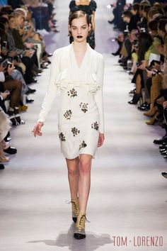 Christian-Dior-Fall-2016-Collection-Paris-Fashion-Week-Tom-Lorenzo-Site (3)