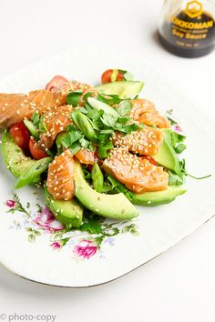 Super Blessed salad with salmon and avocado Lunch Recipes, Summer Recipes, Healthy Recipes, Healthy Tips, Salmon Avocado, Avocado Salad, My Food Pyramid, Healthy Cooking, Cooking Recipes