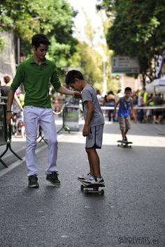 www.marevents.es  En la actividad de la escuela de patinaje, se enseñó a los más peques a ir muy rápido por el circuito, además de una espectacular exhibición por parte de los profesores.