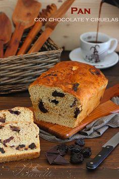 Pan de chocolate y ciruelas