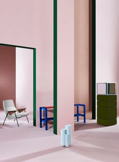 On Set: Pair #SoftPink with strong colours: #ElectricBlue & #EmeraldGreen