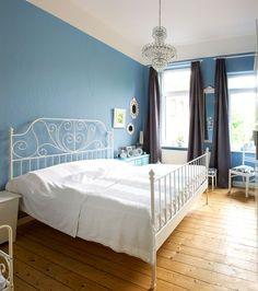 Schlafzimmer#blau#Kronleuchter#Ikea#Weiß#vintage#