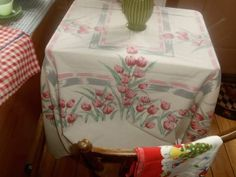 """Vintage Tablecloth 50s Tulips pink large 58"""" by 68""""COTTAGE CHIC SPRING JADITE ex"""