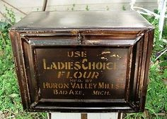 Antique General Store Flour Tin Bin Display Box - FREE USA SHIPPING.  Very large Ladies Choice Flour bin; 13 1/4 inches tall, 18 1/2 inches wide, and 11 3/4 inches deep.