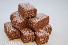 Almond Date Protein Bars - The Good Life