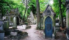 Père Lachaise Cemetery in Paris. The City of Light is home to some of the creepiest places in Europe. #travel #halloween