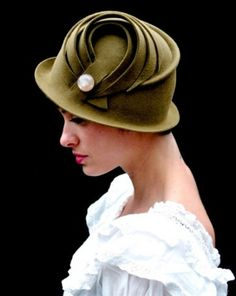cloche hat green vintage