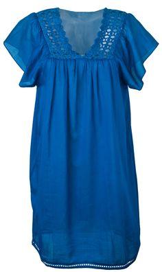 EMBROIDERED NECKLINE PLAIN COLOR SHORT DRESS