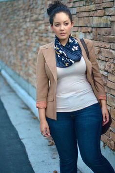 LOVE this scarf and the whole outfit!for a girl with curves. Curvy Girl Outfits, Casual Work Outfits, Curvy Girl Fashion, Business Casual Outfits, Mode Outfits, Plus Size Outfits, Fall Outfits, Fashion Outfits, Looks Plus Size