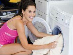 How to Clean a Washing Machine That Leaves Lint on Clothes Pilling On Clothes, Lint On Clothes, Washing Clothes, Doing Laundry, Laundry Hacks, Clean Machine, Washing Machine, Baking Soda Hydrogen Peroxide, Pressing
