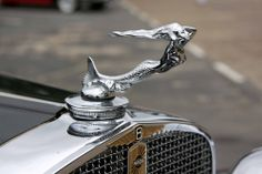 """ 1931 Nash 8 Mermaid "" …. Hood Ornament"