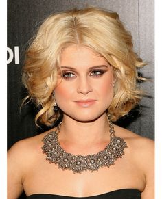 Hair, makeup, necklace, Kelly Osbourne looks so glamourous here!