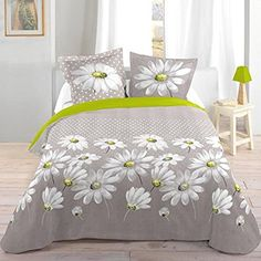 Bed Sheet Painting Design, Fabric Painting, Bed Cover Design, Designer Bed Sheets, Floral Bedspread, Fabric Paint Designs, Blanket Cover, Bed Covers, Pillow Covers