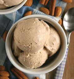 Gluten Free Dairy Free Snickerdoodle Ice Cream by @hallie_klecker / Wholesome Foodie <3