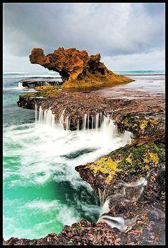 Dragon Head Rock, Australia