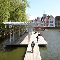 Atelier Bow-Wow and Dertien 12 create Canal Swimmer's Club on Bruges waterway