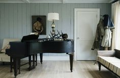 Living room with a grand piano. I will have a classic grand piano… Interior Design Photos, Beautiful Interior Design, Grand Piano Room, Indoor Outdoor Living, Home Living Room, Cottage Living, My Dream Home, Home Accessories, Family Room