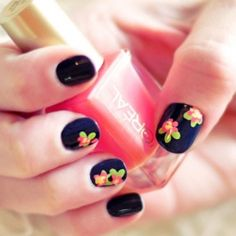 DIY Floral Nail Art   Hand Painted Flower Accent Nails