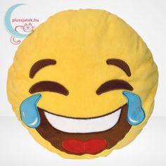 Melyik haverod, családtagod jut eszedbe erről a sírva nevetős emojiról? Ha van valaki, aki mindig valamilyen hülyeséget csinál, vicceset mond vagy ír neked, és egyszerűen nem tudsz máshogy reagálni ezekre, csak sírva nevetve – na tuti, hogy neki való ez a sárga színű plüss párna ajándékba! Szuperül feldobja a megajándékozott szobáját, és amúgy párnaként is kiválóan használható. #Plüss #Párna #Pluss #Parna #Emoji #Játék #Jatek #Ajándék #Ajandek Minion, Emoji, Pikachu, Fictional Characters, Jute, Minions, The Emoji, Fantasy Characters, Emoticon