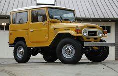 Toyota FJ40.... This looks just like romas