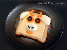 Sandwich Cowtoon - Bread, cheese, carrot, olives, egg