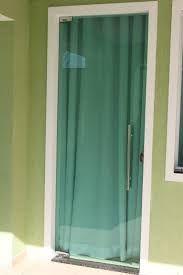 Resultado de imagem para portas pivotantes de vidro incolor