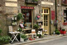 La Cité du Livre, Becherel, Bretagne, France