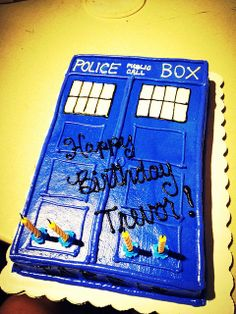 Awesome TARDIS that was on my sons birthday cake Doctor Who
