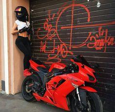 52 Ideas Motorcycle For Women Ninjas Motorbikes Motorbike Girl, Motorcycle Helmets, Motorcycle Quotes, Biker Chick, Biker Girl, Bobbers, 600 Honda, Yzf R125, Motorcycle Photography