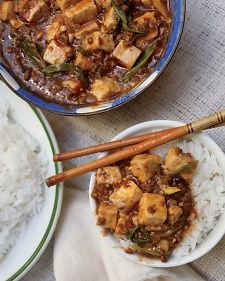 PRESSED TOFU AND PEANUTS IN SPICY BEAN SAUCE http://www.marthastewart.com/874531/pressed-tofu-and-peanuts-spicy-bean-sauce ⇨ Follow City Girl at link https://www.pinterest.com/citygirlpideas/ for great pins and recipes!  ☕